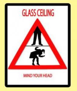 Mirando al techo de cristal