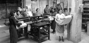 Los salarios y la salud de las mujeres durante la industrialización