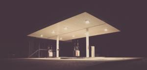 ¿Compiten las estaciones de servicio de hidrocarburos en España? Un repaso a la literatura