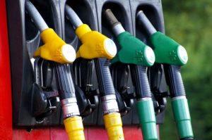 El efecto lunes (o cómo las grandes petroleras demuestran su poder de mercado en España)