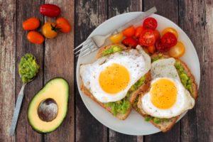 Sobre huevos, leche materna y otras recomendaciones