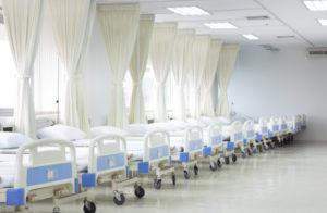 La elasticidad por regiones de la capacidad hospitalaria a los contagios por COVID-19